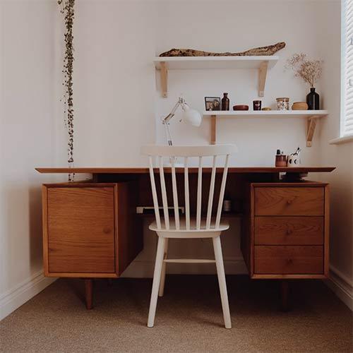 minimalistic decor - a clean desk