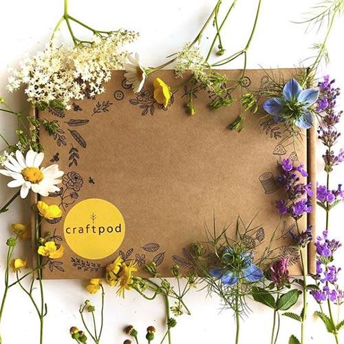 summer crafting box