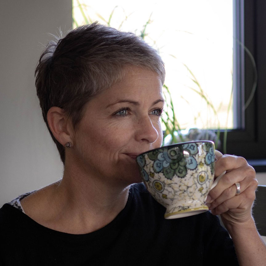 vanessa simpson drinking a cup of tea