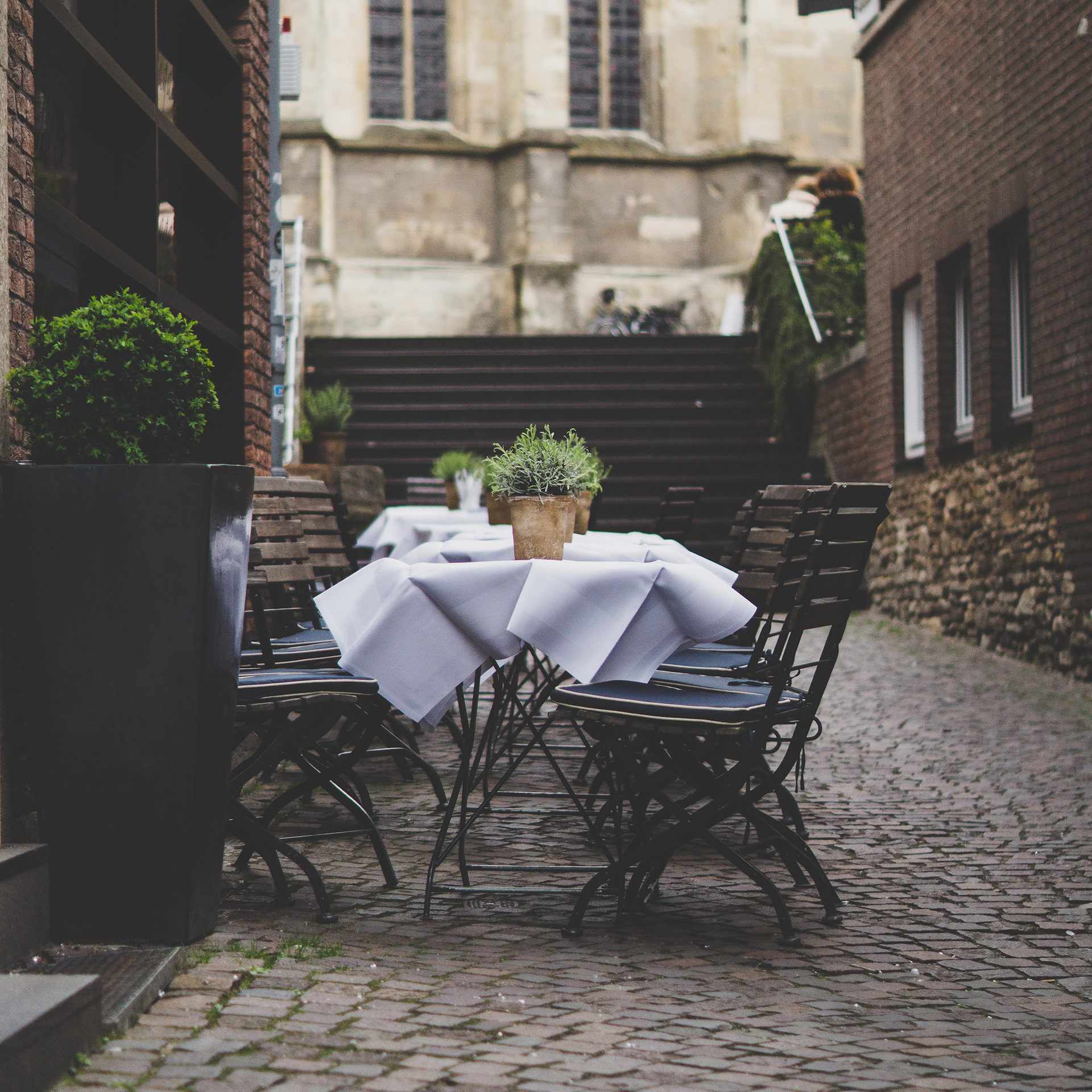 lovely place to eat + drink outside on the street